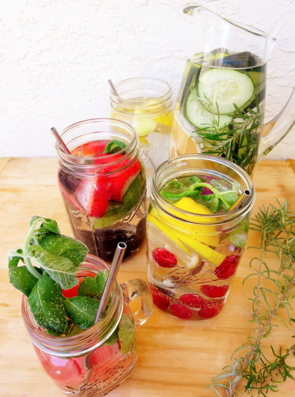Fruit Tea. Exotic Fruit tea is enough to make anyone fall in love with the feeling of summer. There are many benefits of drinking Fruit tea as it is jam-packed with assorted vitamins and minerals.